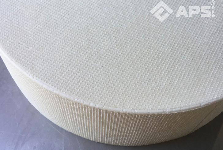 Большая головка твердого сыра (формы для производства сыра)
