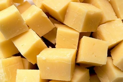 Машина нарезки на сырные кубики