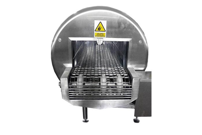 Тоннельная мойка пластиковых форм для сыра