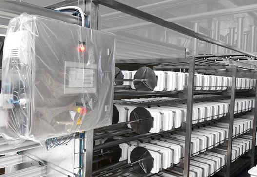 Прессование 1260 кг сыра за цикл на горизонтальном прессе