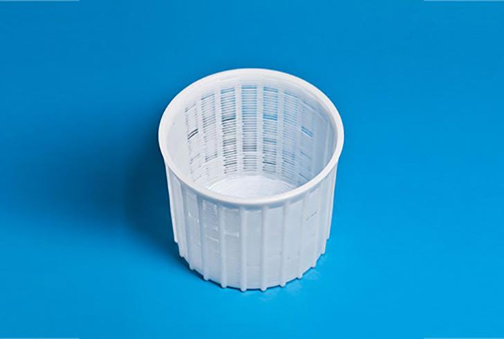 Форма для сыра P00654 с Дн=16,4, Дв=18,2, В=16 см, вес по сыру 2 кг.