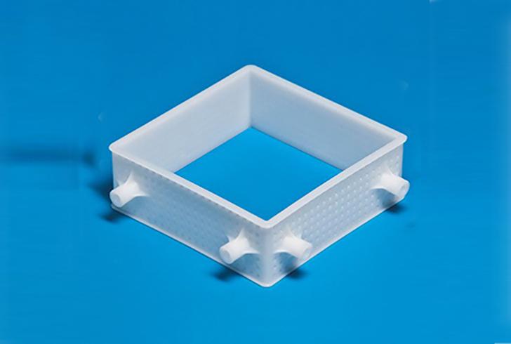 Форма для сыра P00700 размером 19х19, В=7 см, вес по сыру 1,5 кг.