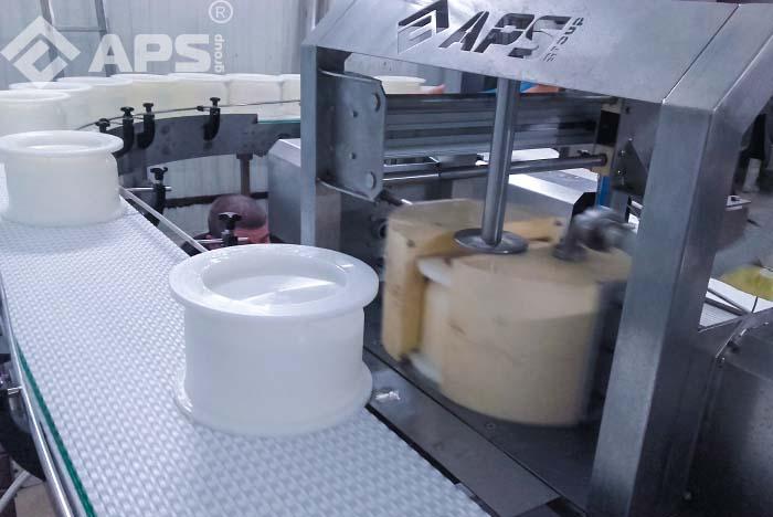 Автоматический распрессовыватель сырных форм