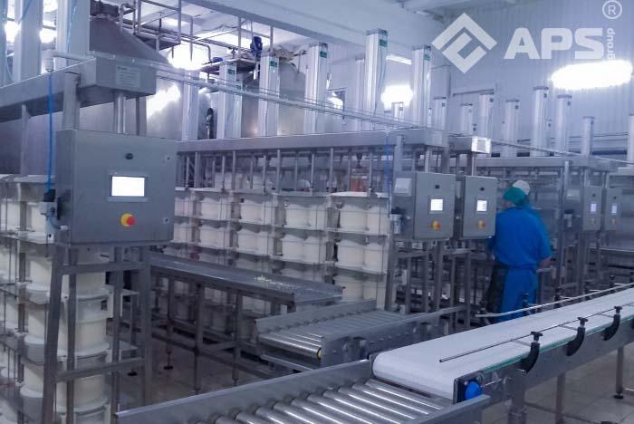 5-секционный пресс для сыра в работе
