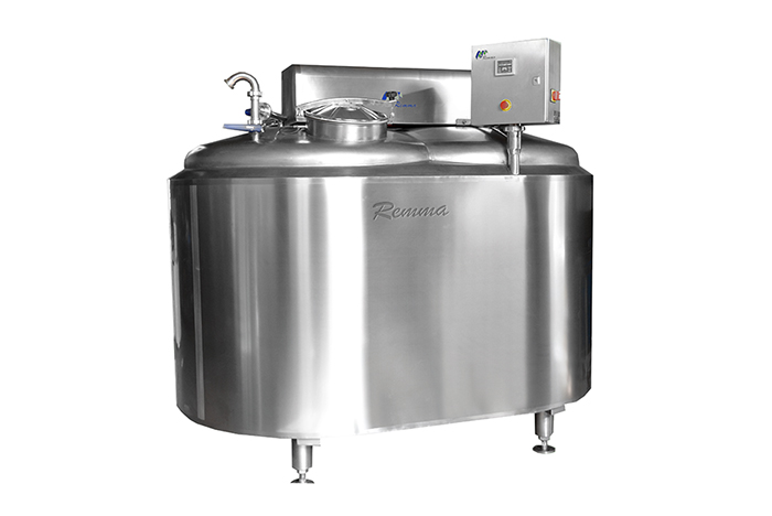 Closed type cheese maker. Volume - from 1000 - 12 000 liters per hour