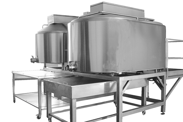 Closed type cheese maker