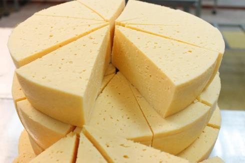 Нарезка круглого сыра