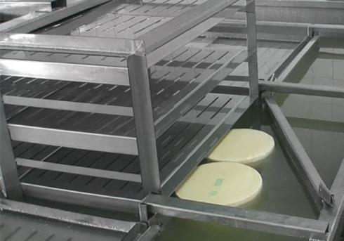Посолка сыра методом река