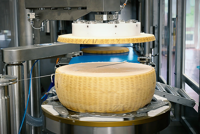 Нарезка сыра на диски
