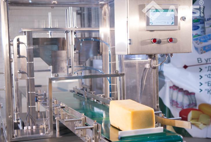Панель управления машины нарезки сыра на порции